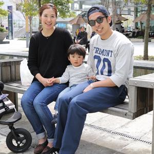 【撮影日:04/12,撮影場所:横浜】正憲さん・麻子さん・蒼助くん(1歳)・好きな親子スポット:みなとみらい
