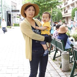 【撮影日:05/06,撮影場所:自由が丘】かおりさん・かいとくん(1歳)