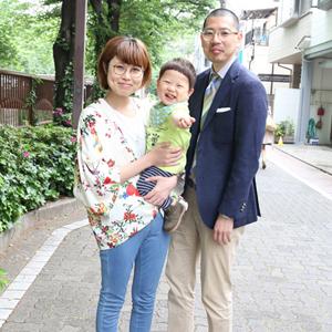 【撮影日:05/09,撮影場所:中目黒】明日香さん・凜太郎くん(1歳)