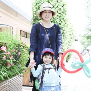 【撮影日:05/10,撮影場所:自由が丘】礼子さん・心春ちゃん(3歳)・好きな親子スポット:自由が丘