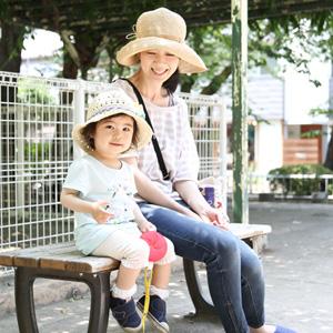 【撮影日:05/28,撮影場所:自由が丘】理菜さん・優菜ちゃん(1歳)・好きな親子スポット:公園