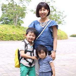 【撮影日:05/18,撮影場所:横浜】ママ・こうたろうくん(6歳)・ももこちゃん(3歳)