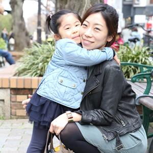 【撮影日:03/21,撮影場所:表参道】りえさん・ここちゃん(4歳)・好きな親子スポット:自由が丘