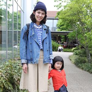 【撮影日:04/22,撮影場所:代官山】智香子さん・來未ちゃん(3歳)