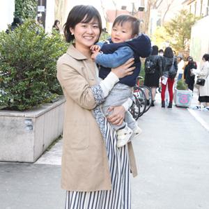 【撮影日:03/02,撮影場所:表参道】絢子さん・ゆうくん(1歳)