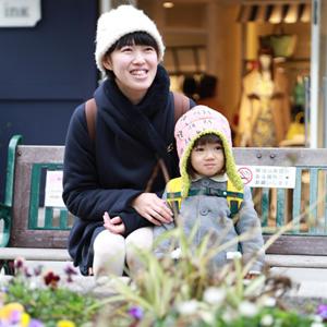【撮影日:01/28,撮影場所:自由が丘】こず恵さん・楓ちゃん(2歳)