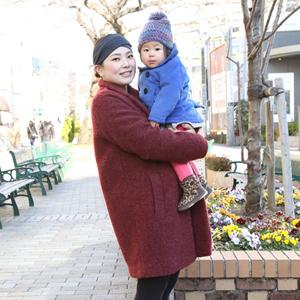 【撮影日:02/03,撮影場所:自由が丘】愛希さん・姫花ちゃん(1歳)