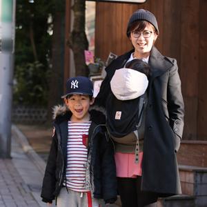 【撮影日:02/11,撮影場所:表参道】翔子さん・龍成ちゃん(7歳)・秦子ちゃん(1歳)