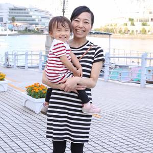 【撮影日:10/03,撮影場所:横浜】トモミさん・アリサちゃん(2歳)