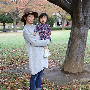 【撮影日:2015/11/19 撮影場所:横浜】梓さん・るみちゃん(1歳)